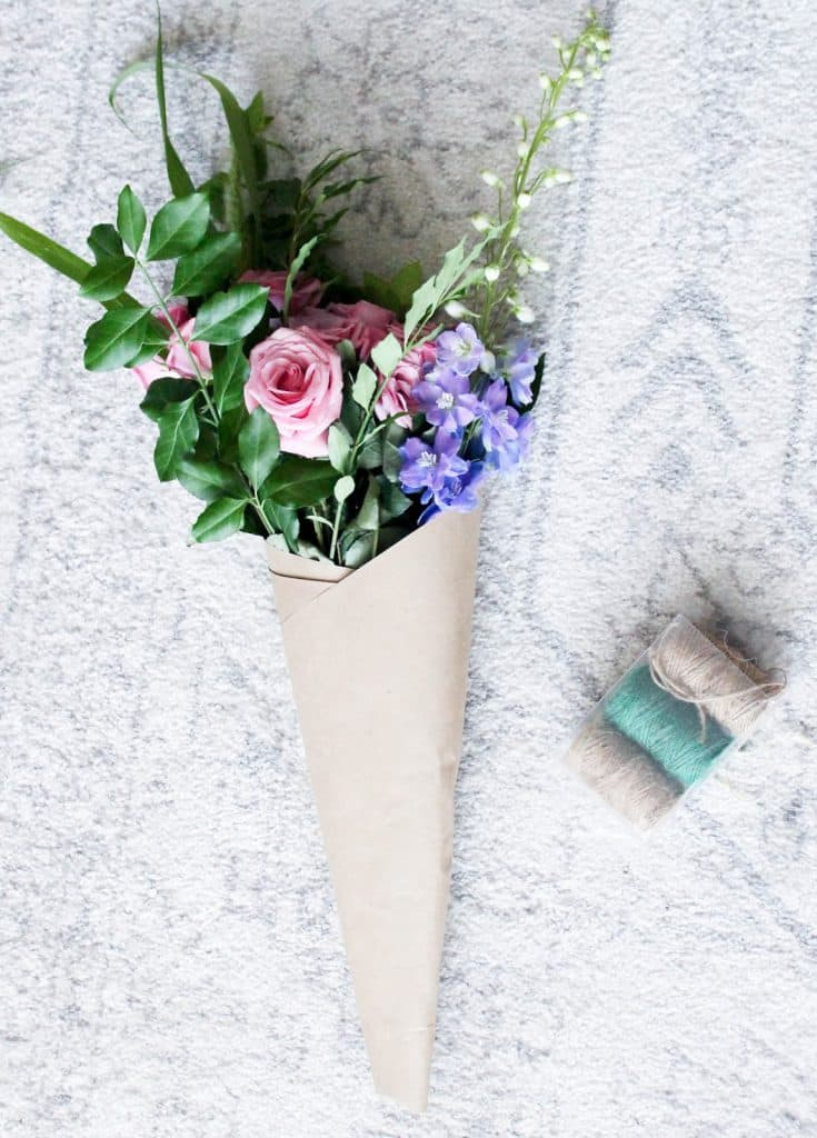 How To Wrap a Bouquet of Fresh Flowers - Pretty in the Pines, North ...