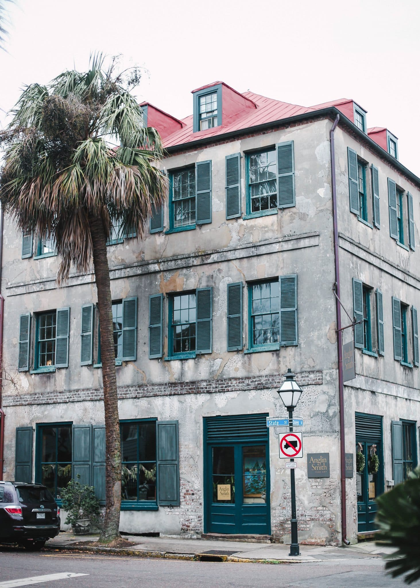 downtown charleston south carolina, pretty in the pines travel blog