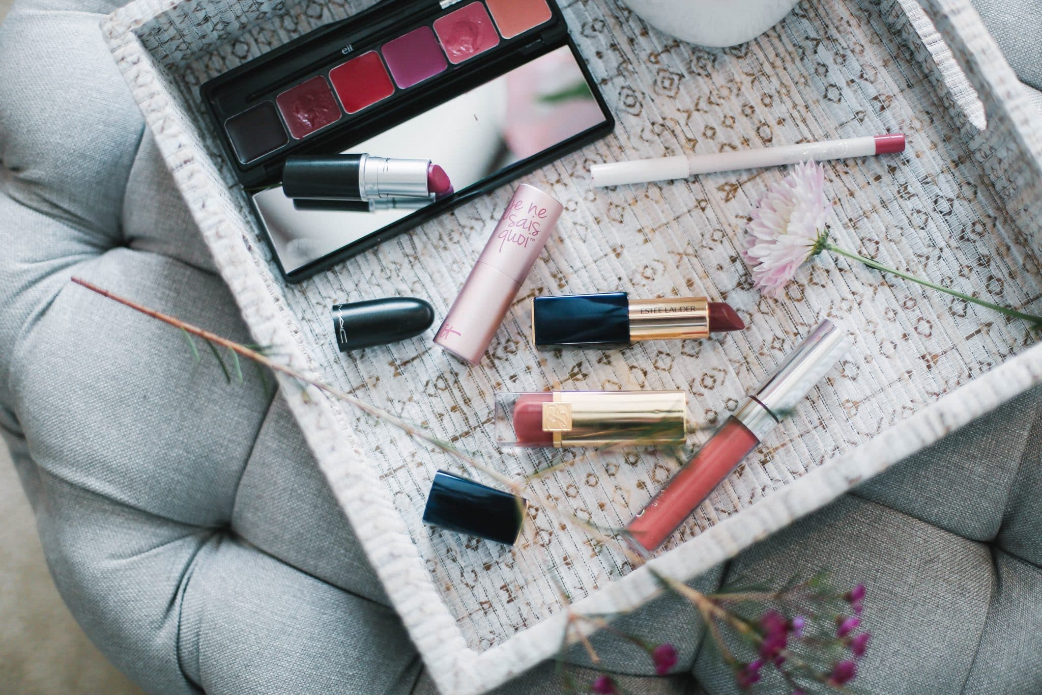 everyday pink lip colors, best neutral pink lipsticks, mac lipstick, colourpop favorite lip products, beauty blogger, pretty in the pines, it cosmetics pink lips