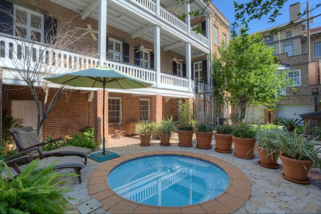 Best Airbnbs In Charleston And Savannah Pretty In The