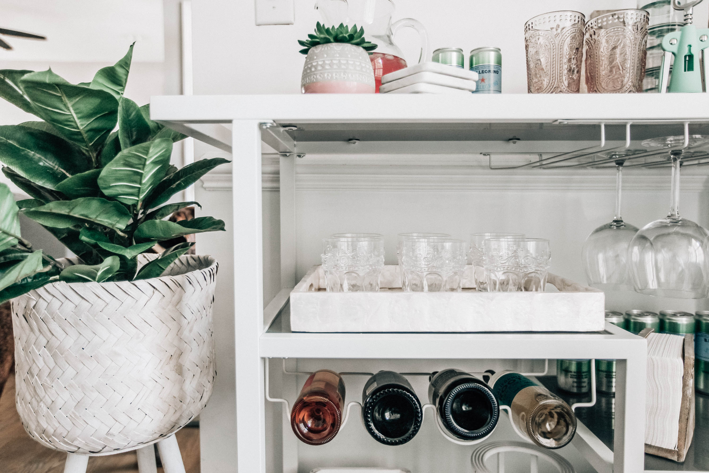A Spring Bar Cart for Entertaining