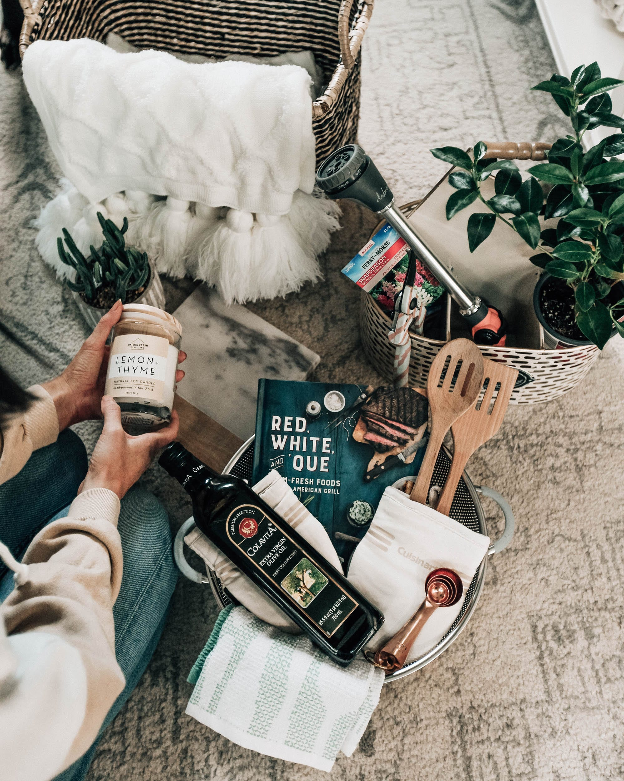 Housewarming Gift Basket Ideas - Pretty
